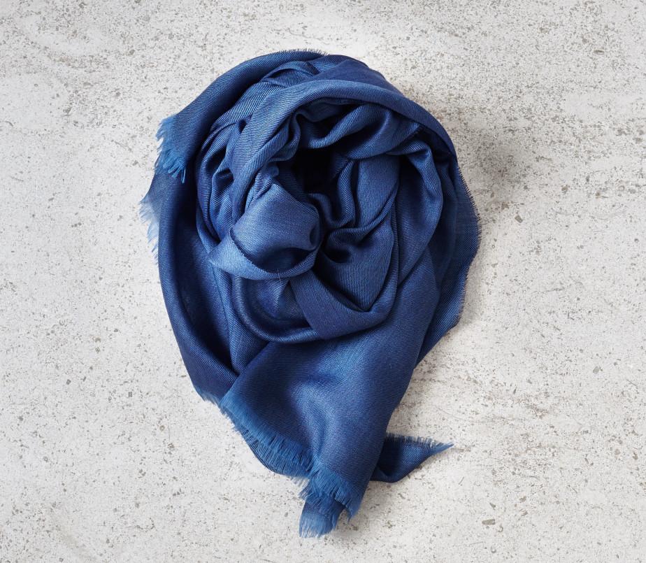 Begg Wispy scarf